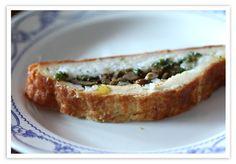 Kulibiak on perinteinen venäläinen piiras, jonka täytteeksi sopii esimerkiksi marinoidut koivunkantosienet.