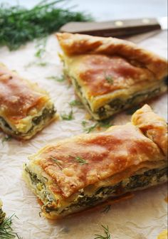 The real traditional greek spinach pie Recipes greek food Illustration Dessert, Pie Recipes, Cooking Recipes, Greek Food Recipes, Spinach Recipes, Amish Recipes, Meatloaf Recipes, Phyllo Dough Recipes, Greek Desserts