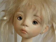 Crear cabeza de una muñeca hecha de poliestireno