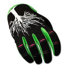 -  optimale Passform - Curved Fingers (fast keine Faltenbildung bei Faustschluss) - AntiSlipLeather auf Handinnenfläche für perfekten Grip - Sniffzone - Atmungslöcher für beste Ventilation selbst bei höheren Temperaturen - Auffälliges...