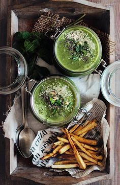 Spring-Soup-with-Baked-Parsnip-Fries Healthy Soup, Parsnip Chips, Parsnip Soup, Spring Food, Spring Soups, Spring Green, Wild Garlic, Soup Recipes, Vegetarian Recipes