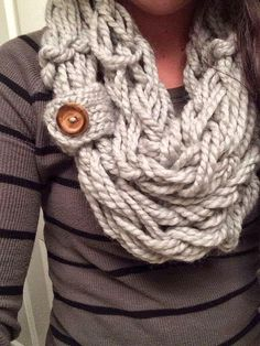 HOW TO ARM KNIT AN INFINITY SCARF IN 30 MINUTES                              …
