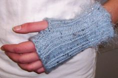 Girl Gauntlets: Loom Knitting Pattern