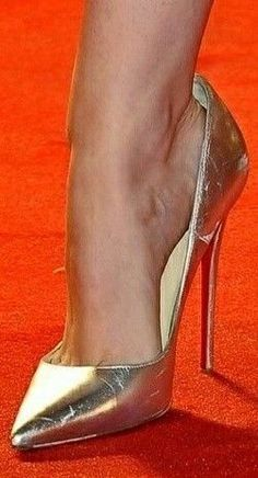 Once in awhile it takes place that you land up purchasing the incorrect set of shoes that not only h Stockings Heels, Nylons Heels, Sexy Heels, Pumps Heels, Stiletto Heels, Glitter Heels, Pink High Heels, Black High Heels, Womens High Heels