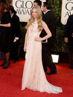 Amanda Seyfried looked stunning in a lace Givenchy dress #GoldenGlobes