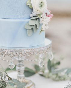 Blue Palette, Custom Cakes, Beautiful Cakes, Floral, Instagram Posts, Desserts, Wedding, Personalized Cakes, Tailgate Desserts
