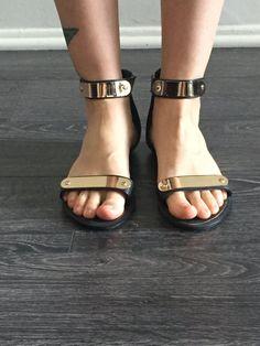 Sandal métallique par RichAndRaw sur Etsy