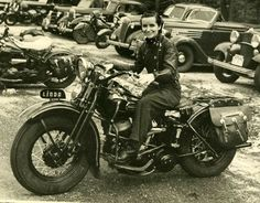 Bikes and Babes–Women Motorcyclists Riding into History | Demenshea's Ride Like a Girl--Linda Dugeau who with Dot Robinson started the Motor Maids.