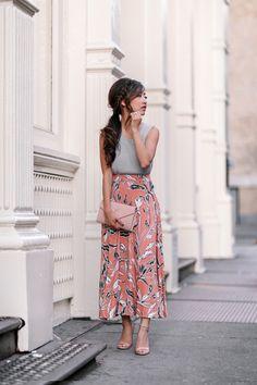 Fall Coral + Gray // Yumi Kim skirt + Missguided petite moto jacket - Extra Petite - Long skirt outfits for fall - Jw Fashion, Modest Fashion, Look Fashion, Fashion Models, Fashion Outfits, Womens Fashion, Short Girl Fashion, Short Girl Style, Fashion Capsule