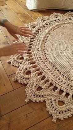 Mandala Au Crochet, Crochet Mat, Crochet Rug Patterns, Crochet Carpet, Basic Crochet Stitches, Crochet Round, Crochet Home, Crochet Doilies, Crochet Tablecloth