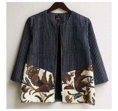 Model Dress Batik, Batik Dress, Kimono Blouse, Kurta Designs, Blouse Designs, Blouse Batik Modern, Outer Batik, Batik Blazer, Batik Kebaya