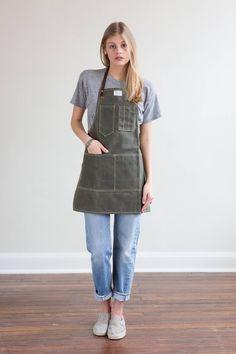 Waxed Canvas Apron Olive w/ Horween Brown Leather Straps Waitress Outfit, Waitress Apron, Cafe Uniform, Waiter Uniform, Hairstylist Apron, Tool Apron, Restaurant Uniforms, Work Aprons, Work Uniforms