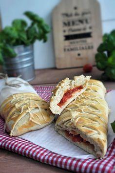 Gefülltes Tomaten Mozzarella Brot