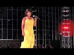 Shirley Bassey   It Must Be Him  her voice reminds me of Vicki Carr with a drop of Eartha Kitt