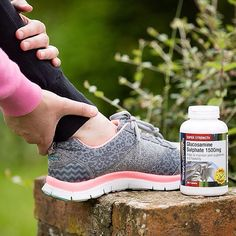 Now that the clocks have gone forward, welcome to the first week of spring! If you're starting to pick up your exercises again, why not help support your muscles and joints with glucosamine sulphate?⠀ ⠀  #MondayMotivation #Spring #Fitness #Healthy #Health #HealthyLiving #Supplements #Vitamins #lifestyle #eatclean #nutrition #Monday #glucosamine #healthyjoints #jointhealth
