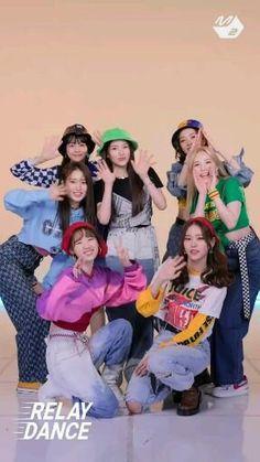 Dance Music Videos, Dance Choreography Videos, Kpop Girl Groups, Kpop Girls, Korean Drama Songs, Mv Video, Pusheen Cute, Black Pink Songs, Kpop Girl Bands