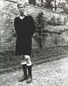 The young Phillip Mountbatten, later Prince Phillip, husband to Queen Elizabeth II.already a handsome guy! Windsor, Royal Prince, Prince And Princess, Princess Diana, Young Prince Philip, Prince Andrew, Prince William, Prinz Philip, Greek Royalty