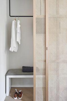 Interior Design Help, Home Room Design, Built In Furniture, Home Furniture, Home Decor Bedroom, Room Decor, Simple Closet, Bungalow House Design, Closet Doors