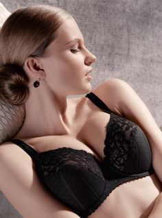 The Couture is another addition to Bra Genie's Prima Donna collection, and will be a luxurious addition to your bra collection! The retro design is based on traditional corset designs. Sizes in stock: 30 E-H (DD-FF), 32-34 D-I (D-G). In stock in black.  We can order the following size range: 30-32 D-I (D-G), 34-40 B-I (B-G), 42-46 B-H (B-FF), 48 B-E (B-DD). Also available to order in nude.