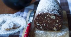 Greek chocolate almond cookie log by Greek chef Akis Petretzikis. A great way to use up all of the leftover almond cookies (kourabiedes) from the holidays! Greek Sweets, Greek Desserts, Delicious Desserts, Yummy Food, Food Log, Christmas Cooking, Christmas Time, Xmas, Almond Cookies