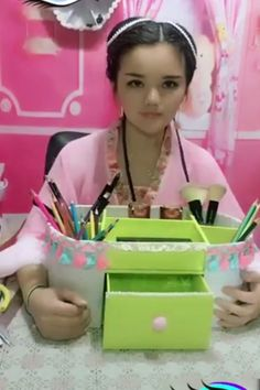 Creative ideas about diy and crafts. Diy Home Crafts, Diy Arts And Crafts, Diy Crafts Videos, Creative Crafts, Diy Craft Projects, Crafts To Make, Easy Crafts, Crafts For Kids, Creative Ideas