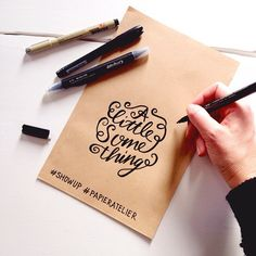 Writing live a little something for you at @happymakersblog at @showup_event #lettering #handlettering #paperfuel