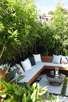 Backyard garden Oasis – 20 Urban Backyard Oasis With Tropical Decor Ideas… - Modern Backyard Seating, Small Backyard Landscaping, Backyard Patio, Landscaping Ideas, Small Patio, Small Yards, Backyard Designs, Pergola Ideas, Narrow Patio Ideas