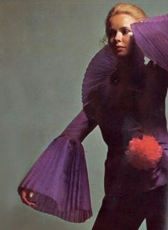 Incredible. Photo by Guy Bourdin for French Vogue, 1969.