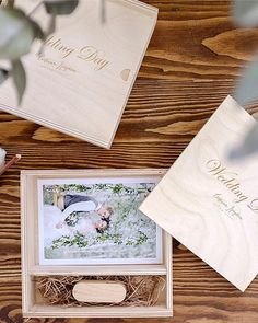 Короб для флешки и фото 10х15 в наличии!!  10 штук - 530 р. шт  20 штук - 470 р. шт  50 штук - 430 р. шт  100 штук - 360 р. шт #упаковкафотографа #коробдляфото #woodbox Photographer Packaging, Usb Packaging, Usb Box, Wedding Day, Tableware, Pi Day Wedding, Dinnerware, Marriage Anniversary, Tablewares