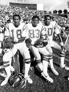 Dan Fouts' favorite San Diego Charger targets in 1980 - Charlie Joiner, John Jefferson, and Kellen Winslow. Combined for 242 receptions, yards, 26 touchdowns. American Football, Football Players, Football Team, Throwback Thursday, Dan Fouts, Nfl History, San Diego Chargers, Nfl Season, Professional Football