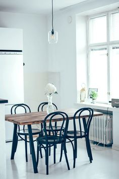 Decor Archives - Page 14 of 47 - Jonna Leppänen Kitchen Dining, Dining Room, Dining Table, H & M Home, Wishbone Chair, Inspired Homes, Diy Furniture, Interior Design, Inspiration