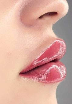 Female Lips, Wet Lips, Hot Pink Lips, Girls Lips, Nice Lips, Most Beautiful Eyes, Best Lipsticks, Kissable Lips, Beautiful Blonde Girl