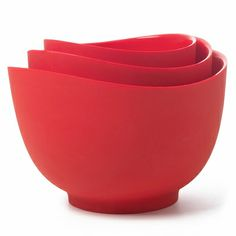 iSi Flex It Silicone Mixing Bowls: Easy pouring, ideal for drizzling or adding ingredients into the narrow space of a stand mixer. Heat resistant to Heat resistant to 490°F. Microwave and dishwasher safe.  1, 1.5, and 2 quart sizes. #Mixing_Bowls #Silicone