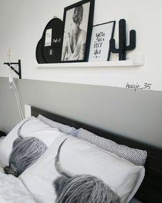 #kwantuminhuis Dekbedovertrek BUF @huisje_35 Interior Design Living Room, Living Room Decor, Bedroom Decor, Ikea Bed, Decoration Originale, Bedroom Styles, Room Inspiration, Home Decor, Garages