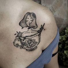 Dotwork • blackwork Tattoo -SP 🌻🌻🌻🌻🌻🌻🌻🌻🌻🌻🌻🌻 Orçamentos via inbox/direct