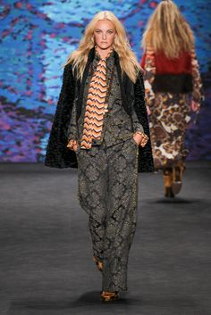 A look from the Anna Sui Fall 2015 RTW collection.