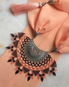 """Instagram'da Tuğçe ÖZCAN: """"🍁🍁🍁 Sipariş ve fiyat bilgisi için 👉🏻dm lütfen. (Modellerimiz istenilen renklere uyarlanabilir.) ~•~•~•~•~•~•~•~•~•~•~•~•~ #igneoyasi #fular…"""" Best T Shirt Designs, Sewing Pants, Needle Lace, Tatting, Diy And Crafts, Instagram, Jewelry, Models, Check"""