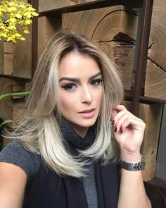 43 Honey Blonde Hair Are the Perfect Match with Summer hairstyle, blond hair, brown hair, honey color Pretty Hairstyles, Straight Hairstyles, Bob Hairstyle, Medium Hair Styles, Short Hair Styles, Professional Hairstyles For Women, Honey Blonde Hair, Cool Hair Color, Great Hair