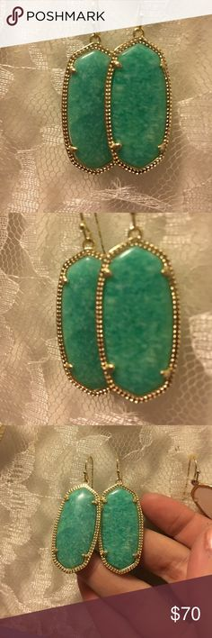 Kendra Scott Elle earrings in gold and Amazonite Kendra Scott gold Elle earrings with Amazonite stones. Beautiful and lightweight. Excellent used condition. No visible flaws. Includes dust bag. Make me an offer! Kendra Scott Jewelry Earrings