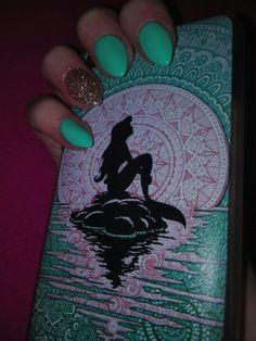Green mint nails mermaid glitter gold
