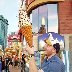 You can't help but be a kid again on Clifton Hill! Photo by . Fudge Factory, Clifton Hill, Canada Travel, Icecream, Niagara Falls, Treats, Photo And Video, Summer, Kids