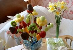 How to make a Fruit Bouquet for Mother's Day {Breakfast in Bed}