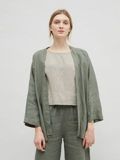 outfit ideas hijab outer \ outer ideas for hijab + outer hijab ideas + outfit hijab with outer ideas + outfit ideas hijab outer Cardigan Casual, Kimono Cardigan, Kimono Jacket, Kimono Fashion, Hijab Fashion, Fashion Outfits, Minimalist Fashion Summer, Linen Jackets, Models