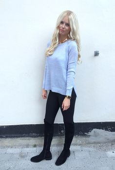 Outfit of the day, look, ootd, simone tajmer, look of the day, aw, fall, winter, knit, knitwear, over knees, boots, blonde, gold, blue, babyblue