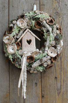 tavaszi ajtódíszek papírból - Google keresés Wreath Crafts, Diy Wreath, Grapevine Wreath, Seasonal Decor, Holiday Decor, Easter Holidays, Christmas Wreaths, Winter Wreaths, Spring Wreaths