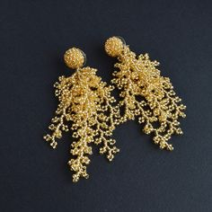 Christmas gifts for coworkers Coral beaded Earrings Gold Fringe Earrings, Bead Earrings, Handmade Wire Jewelry, Beads Online, Gold Statement Earrings, Earring Crafts, Bead Jewellery, Gold Jewelry, Earring Tutorial