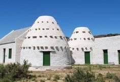 Korbeel houses in the Karoo The builders couldn't find wood and used rocks to build the dome for  roofs.