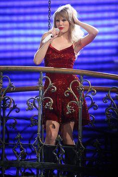Taylor Swift Speak Now Tour Taylor Swift Speak Now, Long Live Taylor Swift, Taylor Swift Hot, Taylor Swift Quotes, Taylor Swift Pictures, Ill Stand By You, Swift Tour, Miss Americana, Taylor Swift Gallery
