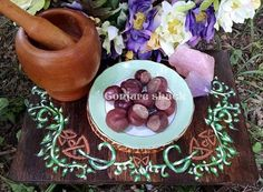 Buckeyes, horse chestnuts, conckers, Conjure, pagan ritual supply, new age, wicca by ConjureShack on Etsy