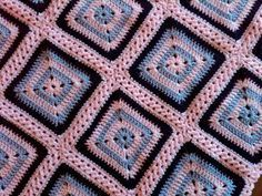 No-Holes Granny Square  Free Pattern - Pink/Brown for Alyssa ❥Teresa Restegui http://www.pinterest.com/teretegui/❥